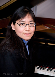 [Photo of Grace Bunday at piano teaching seminar by Andrew Gess]